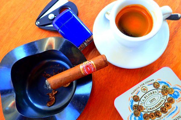 Espressotasse Aschenbecher Zigarre