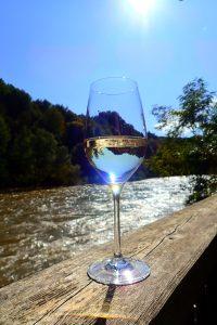 Wein Glas im Sonnenlicht