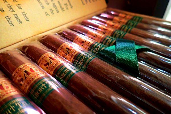 Zigarren in Kiste