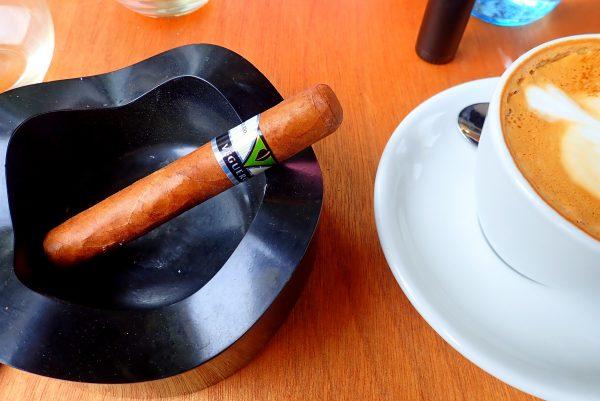 Vegueros Tapados mit Kaffeetasse